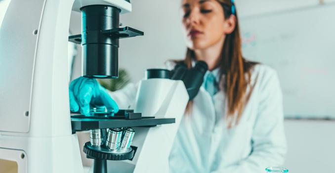 Una proteína podría ayudar a identificar el riesgo de recaída en el cáncer de mama